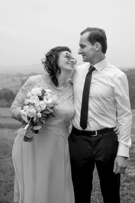 Hochzeitsfotografie Outdoor schwarz weiß