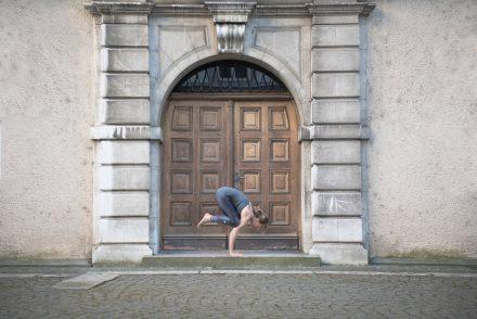 Yoga-Fotografie Krähe