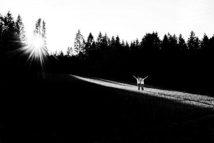 Foto Paarshooting Outdoor schwarz weiß