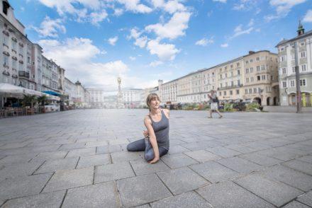 Yoga-Fotografie Hauptplatz Linz